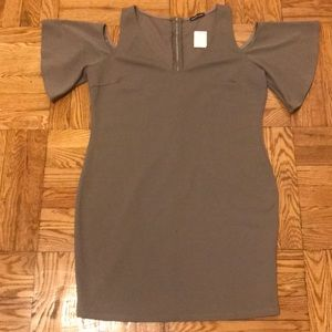 🔴1X NWT Cold shoulder tan dress